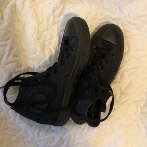 All black converse women's size 6